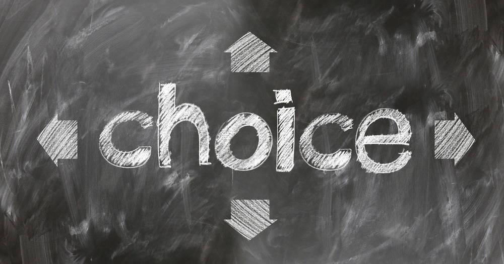 選択を促す黒板